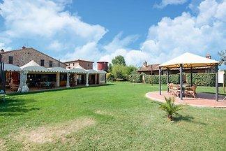 Gemütliches Bauernhaus mit Pool in Castiglion...