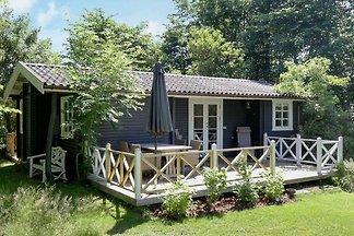 Sonniges Ferienhaus in Vejby mit Terrasse