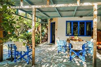 Einladendes Ferienhaus in Palaiochora mit...