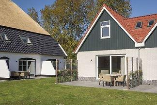 Licht vakantiehuis op Texel met royaal gemeub...
