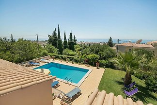 Nice holiday in the Algarve with private pool...