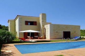 Wunderschöne Villa mit Swimmingpool in Prines...