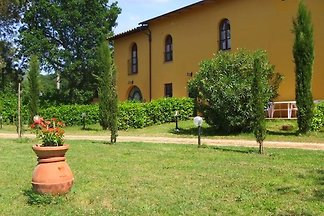 Nice apartment in the area of Vinci