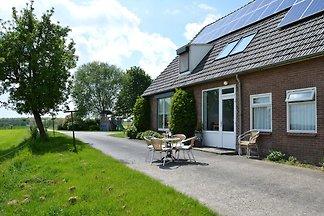 Ruhiges Bauernhaus in Groesbeek mit Terrasse