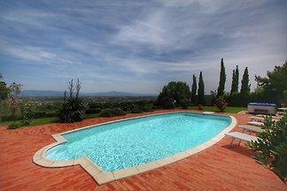 Großzügige Villa mit Swimmingpool in Monte Sa...