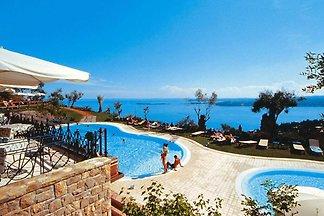 Residence Borgo degli Ulivi, Gardone Riviera