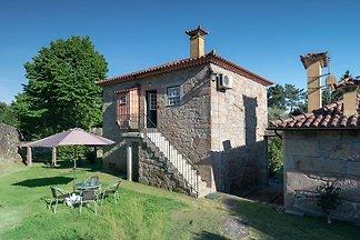 Ausgezeichnetes Ferienhaus in Santa Comba mit...