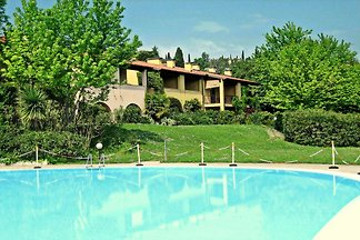 Luxurious holiday Home in Lombardy with share...
