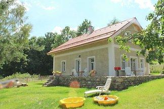 Komfortables Ferienhaus in Milire mit nahegel...