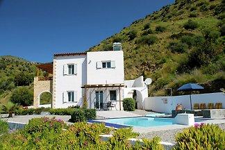 Wunderschöne Villa mit Swimmingpool in Agia G...
