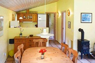 Gemütliches Ferienhaus in Nexø mit Schwimmbad