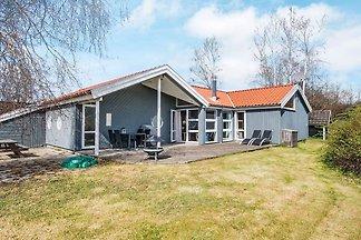 Geräumiges Ferienhaus in Ebeltoft mit Sauna