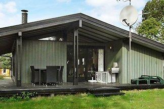 Modernes Ferienhaus in Skibby mit Grill
