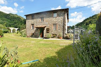 Gorgeous Cottage in Pescaglia with Swimming...