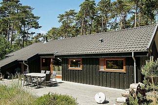 Idyllisches Ferienhaus in Nexø mit Sauna