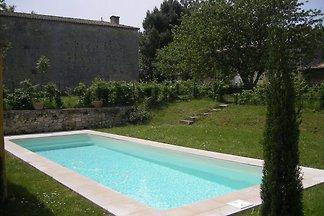 Geräumige Villa mit eigenem Pool in...