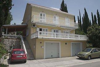Große Wohnung mit überdachter Terrasse in Cil...
