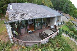 Modernes Ferienhaus in Stavelot mit Terrasse