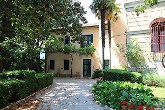 Luxuriöses Ferienhaus in Romano D'ezzelino mi...