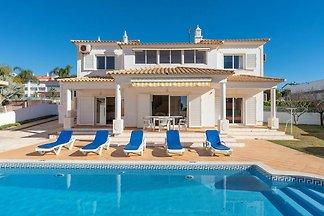 Elegante Villa in Albufeira mit privatem...