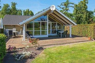 Schönes Ferienhaus in Seeland mit privatem...