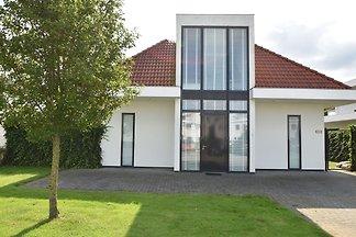 Ferienhaus in Hardewijk neben dem Golfplatz