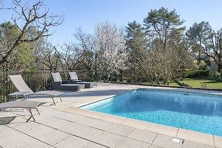 Premium Villa in Callian mit eigenem Pool