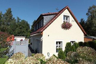Traditionelles Cottage in Waldnähe in Oederan