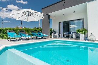 Schöne neu gebaute Villa Oleandra für bis zu ...