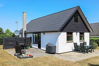 Rustikales Ferienhaus in Fünen mit Terrasse