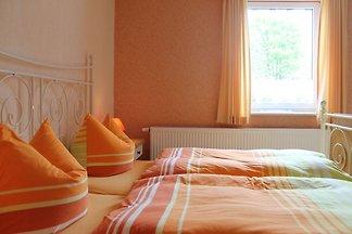 Hell eingerichtetes Appartement in Wiek an de...