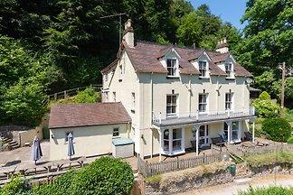 Luxuriöses Ferienhaus in Ross on Wye in der N...