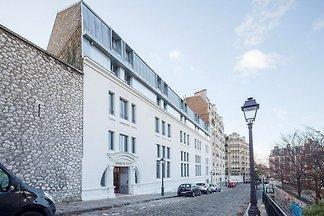 Moderne Wohnung in Paris im Kunstviertel...