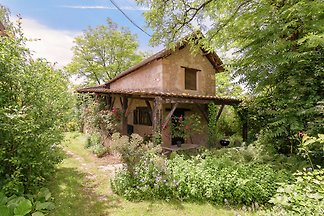 Romantic stay in a lovely cottage in a magica...