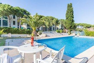 Appartement calme avec piscine à Calella de...