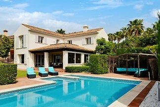 Luxuriöse Villa in Sotogrande mit...
