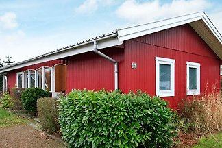 Gemütliches Ferienhaus in Middelfart mit Stra...