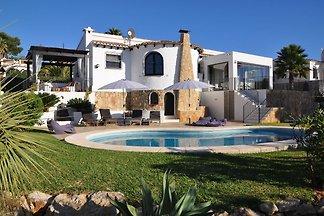 Belle villa avec piscine à Javea Valencia