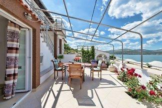 Luxuriöses Ferienhaus mit Whirlpool in...
