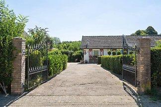 Nobles Ferienhaus in Mechelen mit privater...