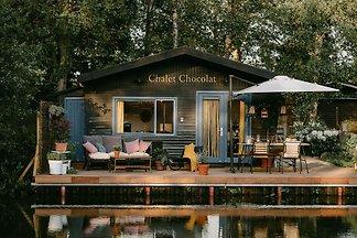 Verträumtes Chalet in Geel mit Terrasse am Wa...