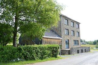 Wunderschönes Ferienhaus in Ferrieres mit off...