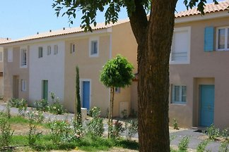 Schönes Haus mit Klimaanlage zwischen Binnenl...