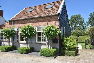 Modernes Ferienhaus in Sluis mit Garten