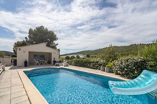 Alluring Villa in Pouzols-Minervois with...