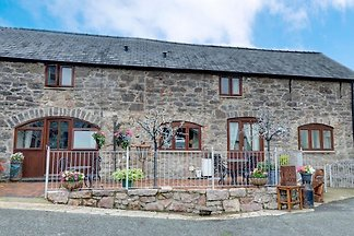 Scenic Holiday Home in Abergele with Terrace,...