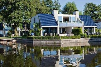 Gemütliche Villa mit Kamin an den Loosdrechts...