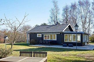 Ruhiges Ferienhaus in Bornholm mit Terrasse