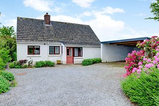 Quaint Holiday Home in Bwlch-y-groes with...