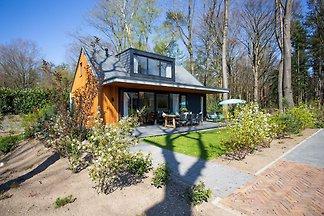 Moderne luxuriöse Villa mit 2 Bädern der Nähe...